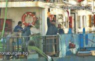 Пристанище Бургас: Няма бедстващи моряци от екипажа на кораб LADY BO, даваме им безвъзмездно ток и вода
