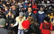 Рекорден брой бургазлии посрещнаха Нова година на площада (видео)