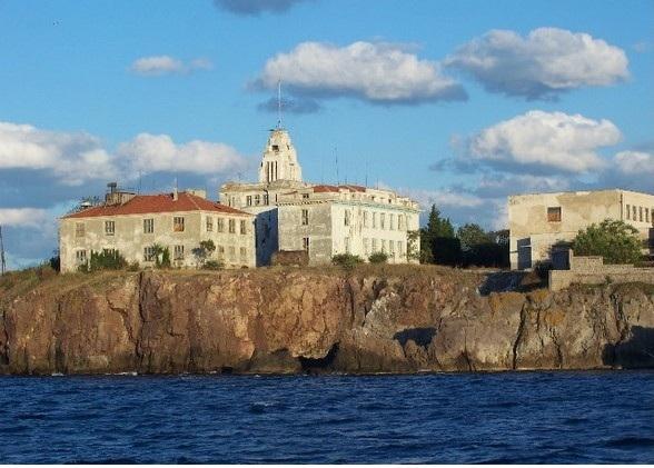 Франция и България се договриха: Проект за остров на изкуствата край Созопол ще има