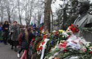 Бургас се поклони пред паметта на Апостола (СНИМКИ)