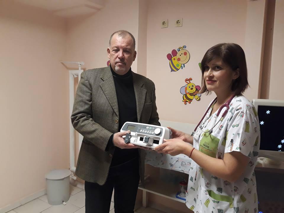 Бургаски масони дариха важна апаратура на Отделението по неонатология на УМБАЛ Бургас