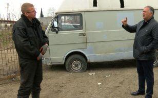 Караваната на Руди Люберс вместо в музей се озова за скрап, собственикът на автоморгата иска от Холандия 1000 лв./снимки/