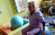 Терапевти показаха сензорна терапия с деца със специални потребности