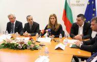 Министър Ангелкова: Започва въвеждането на данните в Единната система за туристическа информация