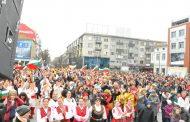 Бургас отбеляза тържествено 3 март, хиляди развяха знаменца с трибагреника на площада/снимки/
