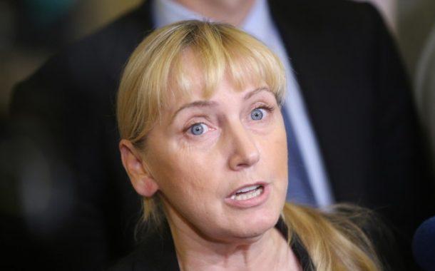 Елена Йончева призова Цветан Цветанов да напусне политика, БСП против бежанските центрове