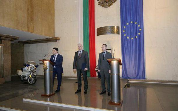 Зам.-министър Ципов: МВР няма да строи нови бежански лагери