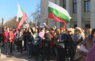 Втори многолюден протест на медсестрите в Бургас (ВИДЕО)