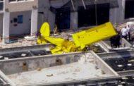 Самолет се блъсна в жилищна сграда във Флорида