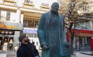 В деня на шегата: Говореща статуя на Бойко Борисов грейна на площад