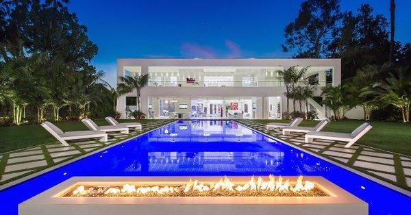 Българин е купил имение за 34 милиона долара в Бевърли хилс