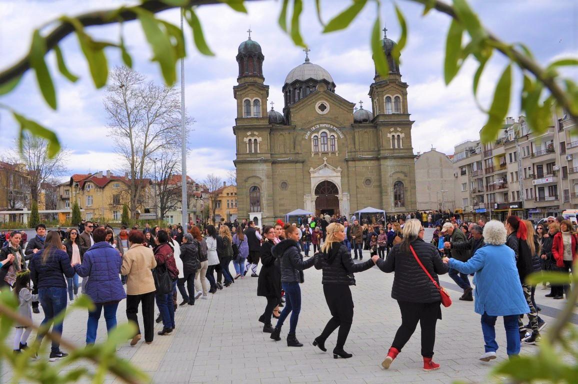 Бургаските читалища масово се включват със свои изяви в Цветница