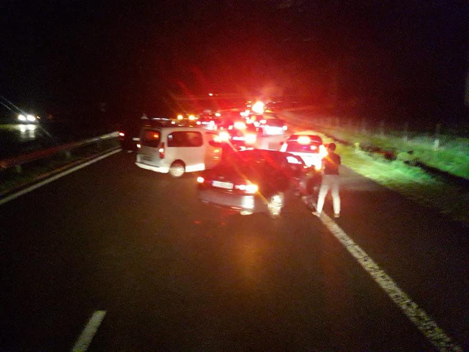 Хонда се запали на изхода на Бургас, шофьорът е откаран в болница