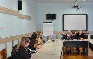 """""""Златната книга на Несебър"""" бе представена пред ученици от СУ """"Любен Каравелов"""""""