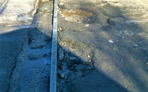 """През следващите дни ще демонтират излезлите от употреба железопътни релси, пресичащи ул. """"Одрин"""""""