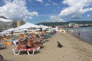 Мощни лампи и жива охрана пазят Централния плаж в Слънчев бряг