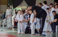 39 медала за бургаските каратеки от полицията