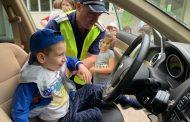 """Близо 200 малчугани от Детска градина """"Брезичка"""" посрещнаха служителите от сектор """"Пътна полиция"""""""
