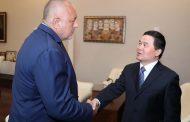 Бойко Борисов се срещна с посланика на Китай Дун Сяодзюн.