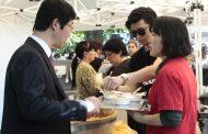 Кулинарният гуру Им Хьонг-су представиха традиционни ястия от своята страна