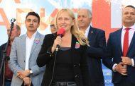 Йончева в Бургас: Революция се прави по два начина – или хващаме паветата и сопите, или отиваме на избори