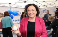 Ивелина Василева пи кафе от чаша, която се яде: Моята лична кауза е да се учреди европейски знак  –Зона, свободна от  пластмаса!