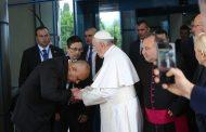 Бойко Борисов ще изпрати папа Франциск на 7 май