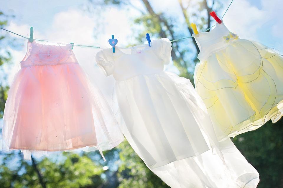 Ревю с шикозни рокли от рециклирани материали на терасата до Казиното