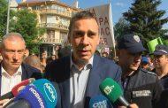 Кметът към бунтуващите се роми: Няма да ме уплашате!