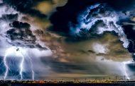 12 ранени след мощна буря над Москва (ВИДЕО)