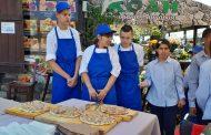 """Младежите от дома в с. Атия почерпиха с """"Френската пица"""" и """"Тарт фламбе"""""""