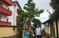 Запечатаха къща за гости в Свети Влас, деца почивали в мизерия/снимки/