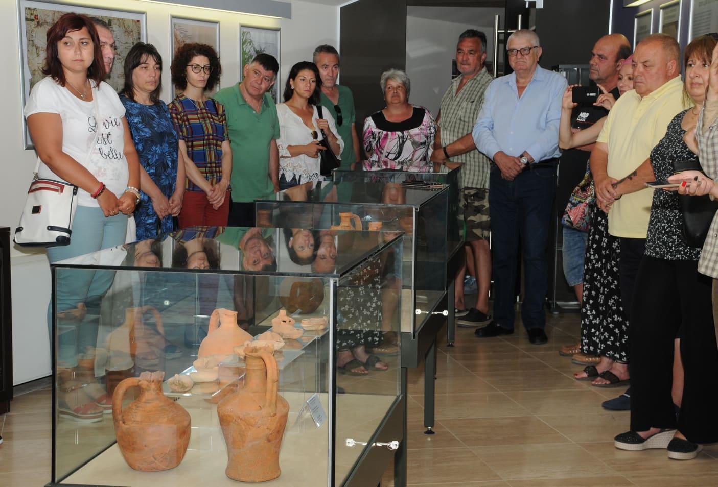 Новооткрити артефакти показаха на изложба в Ахтопол