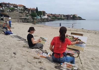 Ангелина Недин покани художници да рисуват Созопол