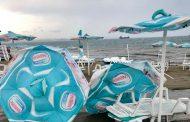Вижте пораженията от бурята на плажа в Крайморие /снимки/