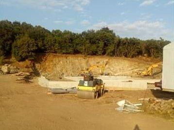 Жители на Атия искат да се спре изграждане на депо за опасни отпадъци
