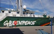 Ден на отворените врати в Rainbow Warrior