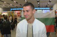 Кикбоксьорът Стоян Копривленски кацна в роден Бургас след зрелищна победа на Glory /видео/