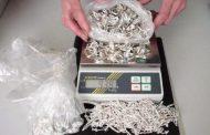 Митнически служители иззеха над 7 килограма контрабандни сребърни накити