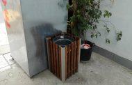 Срам: Кошчетата за боклук изчезваха от улиците в Китен, озоваха се в къщите на местните /снимки/
