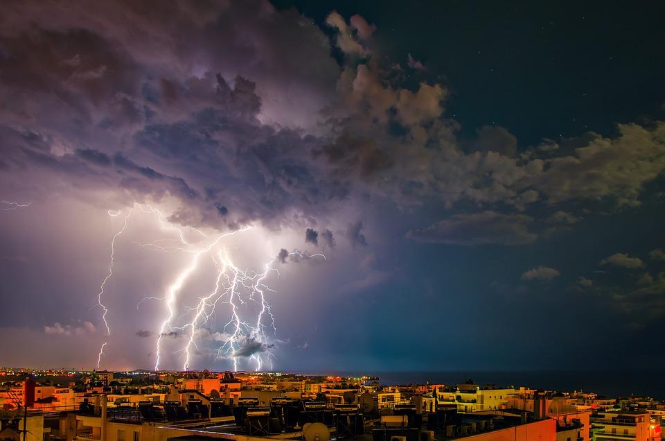 Мощна буря удари Халкидики! Шестима загинаха (СНИМКИ/ВИДЕО)