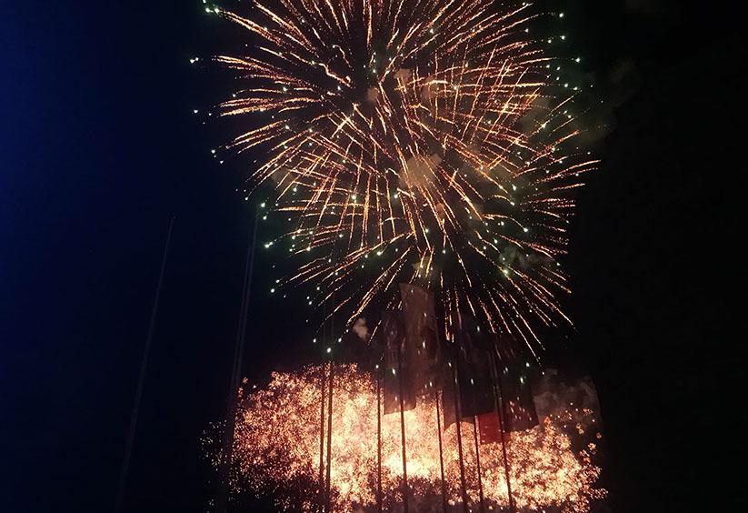 Несебър отбеляза своя празник със зрелищна заря, светлинно шоу и емоционални концерти/снимки/