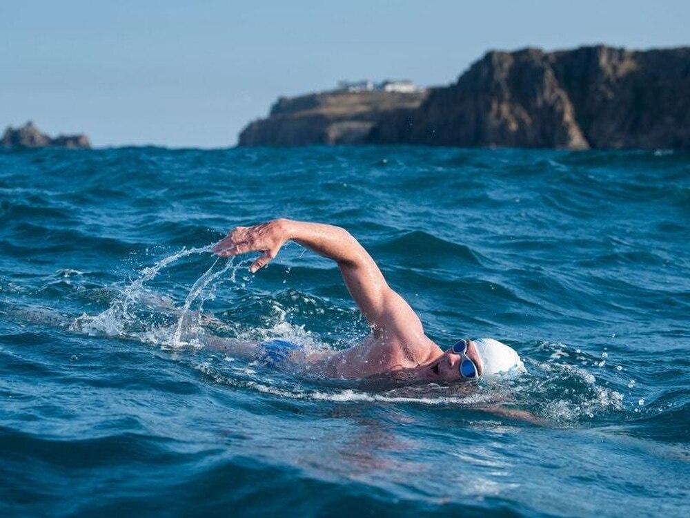 Плувнeн маратон от остров Света Анастасия до Моста се провежда в събота