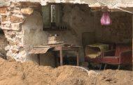 Стена на жилищна сграда рухна в Бургас, евакуираха възрастен мъж (видео)