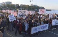 Несебър си иска кмета Николай Димитров, излезе на протестно шествие /видео/