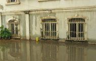 "Дъжд  и градушка удариха в Бургас, ул. ""Антим I"" остана под вода /видео/"