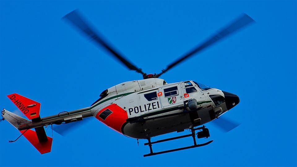 Камион се вряза в коли в Германия, 17 души са ранени