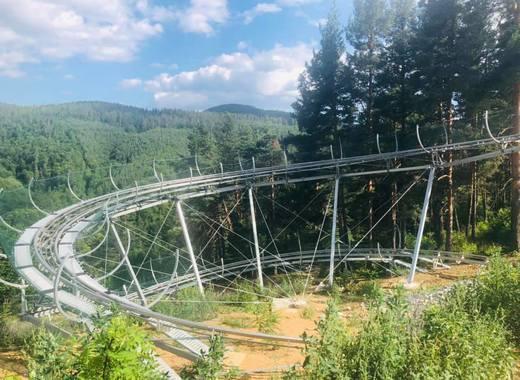 Странен парк води туристи в Рила планина над Белица