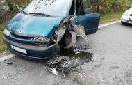 Затвориха пътя за Созопол. Три пострадаха в тежка катастрофа