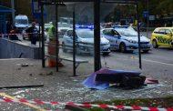 Кола помете две 14-годишни момичета и 27- годишен мъж на автобусна спирка във Варна